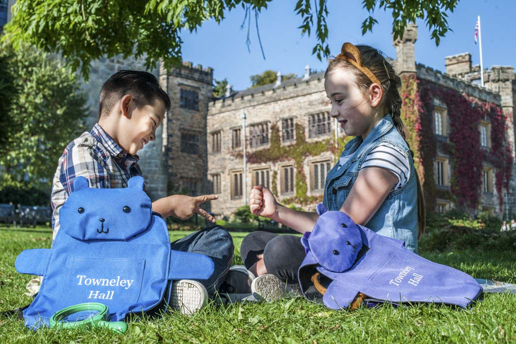 Children having a picnic at Towneley Hall