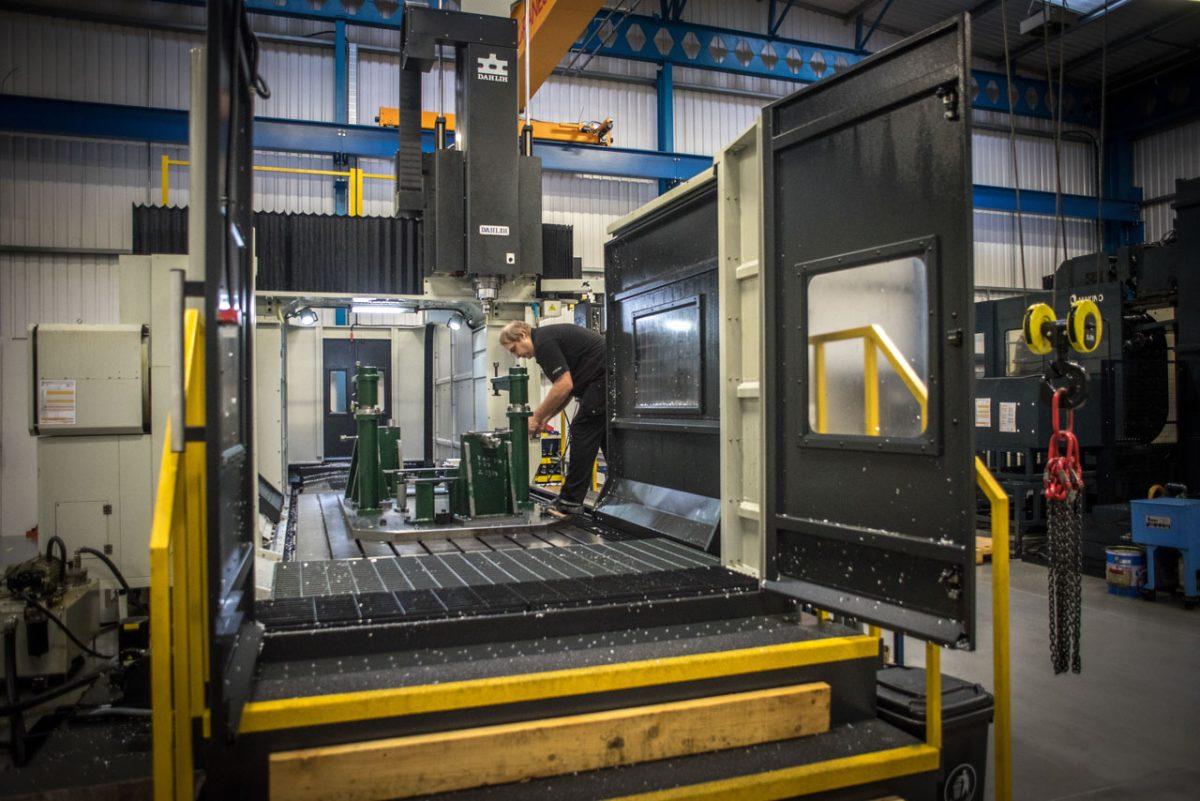 Manufacturing machinary